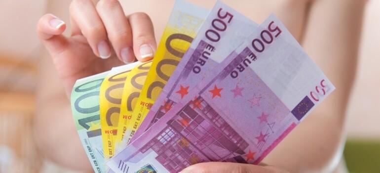 В какой валюте лучше хранить сбережения